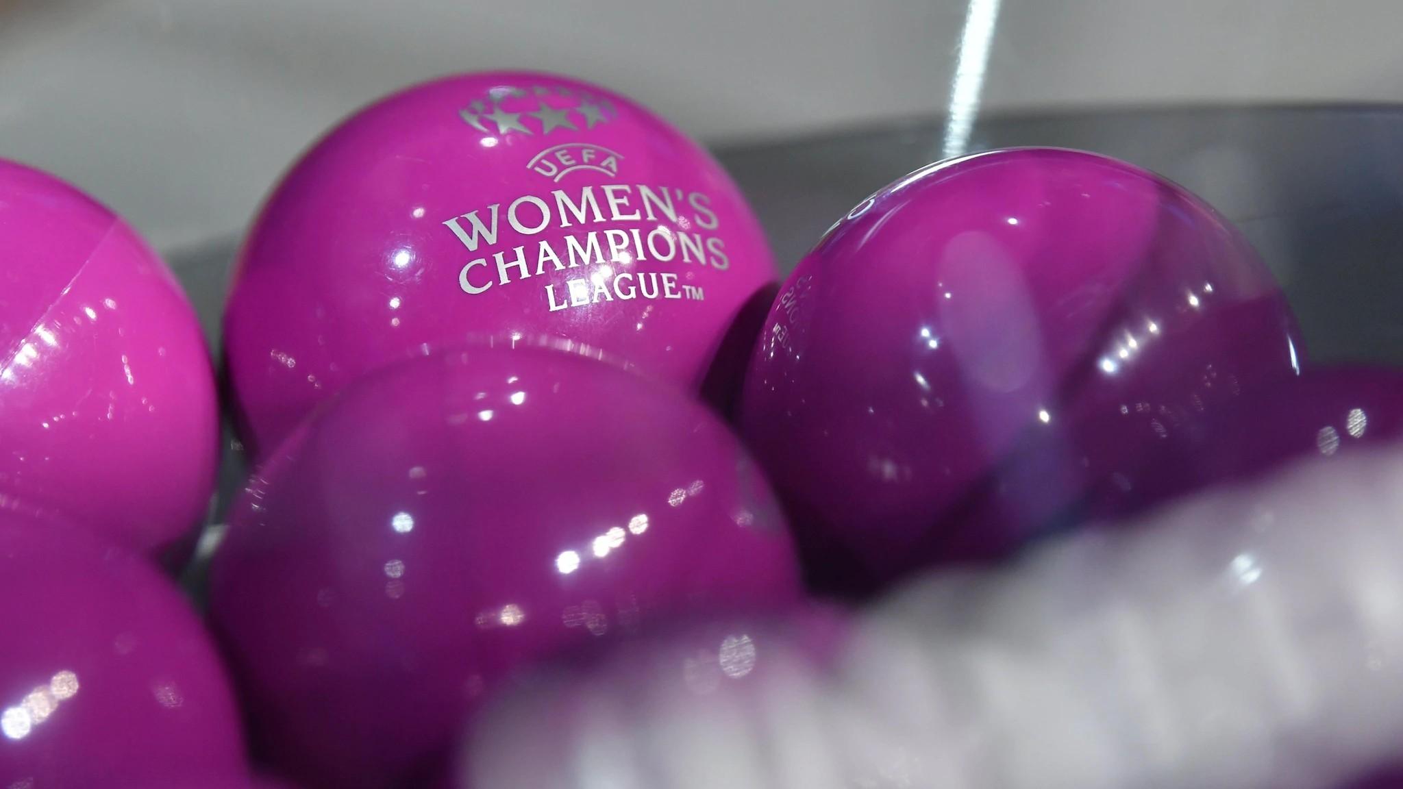 Bolas y bombos que se utilizan en el sorteo de la Champions League...