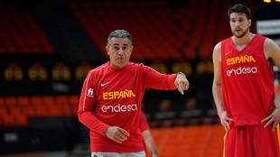 Sergio Scariolo da instrucciones durante un entrenamiento.