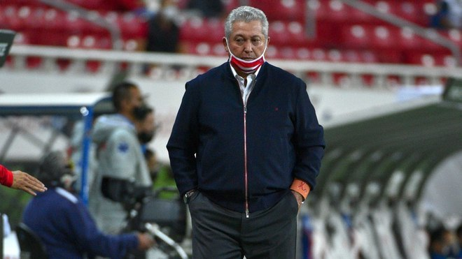 El Guadalajara venció al América en el Clásico Nacional durante los...