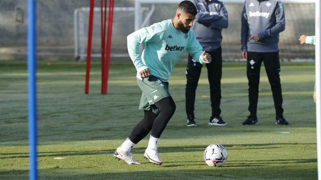 Nabil Fekir, en un entrenamiento del Betis.