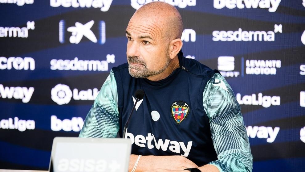 Paco López, entrenador del Levante, en rueda depPrensa.