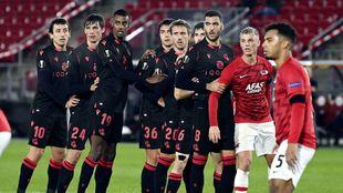 Varios jugadores realistas, en una acción de estrategia en Alkmaar.