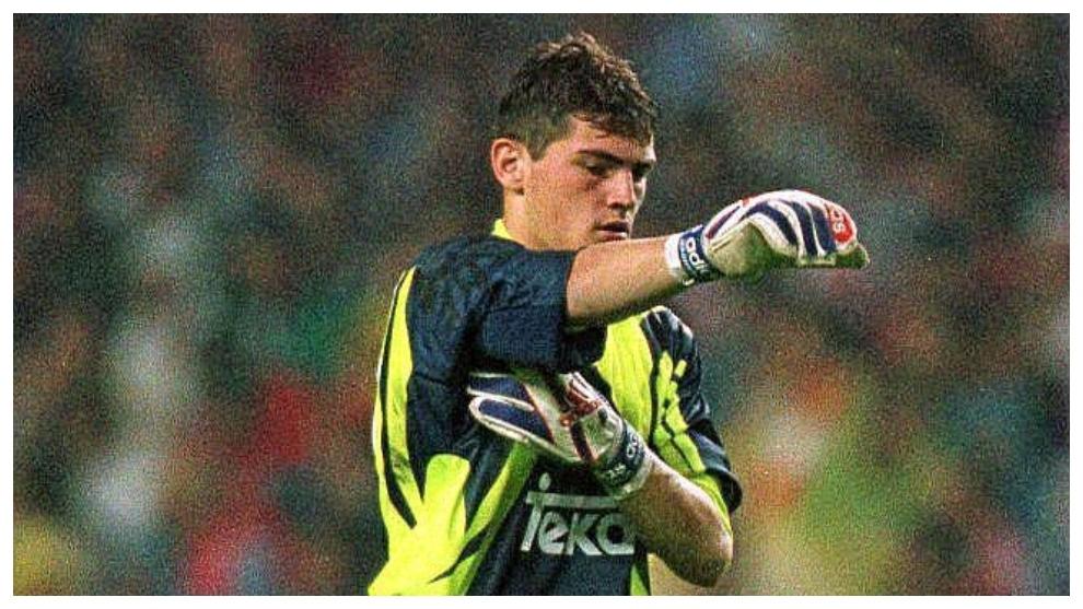 Casillas, el día de su debut en San Mamés en 1999.