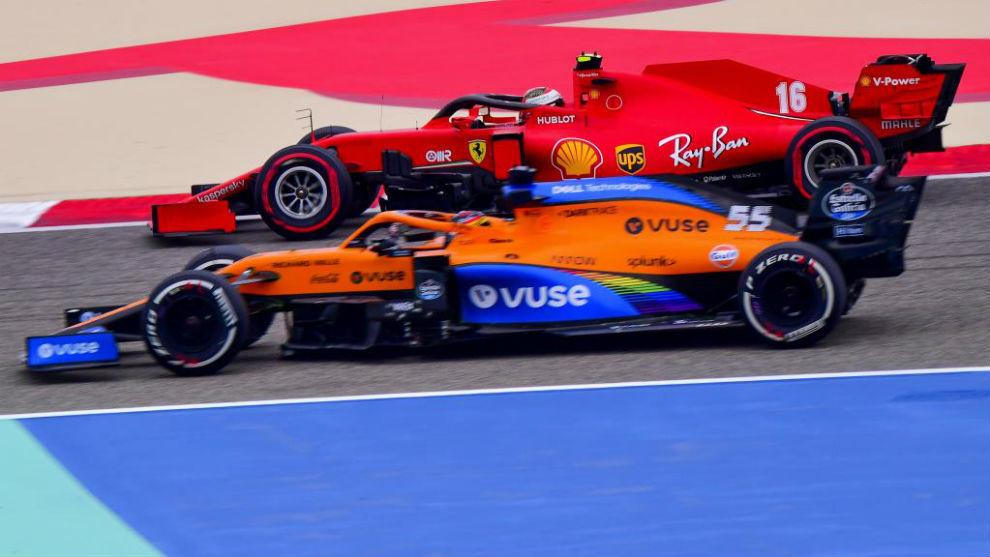 Carlos Sainz y Charles Leclerc, hoy durante los entrenamientos libres...