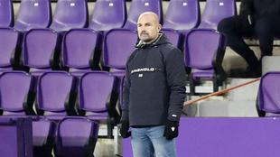 Paco López, durante el partido ante el Valladolid.