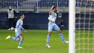 Juande celebra su segundo gol, el que supuso el del empate ante el...