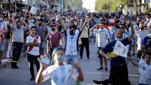 Alerta en Argentina por un posible rebrote de contagios tras la muerte...