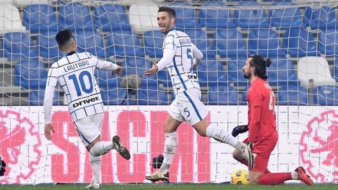 Inter golea al Sassuolo y le quita el segundo lugar en la tabla.