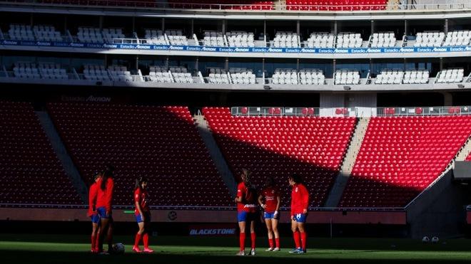 El Estadio Akron se cierra para el Clásico Nacional de la Liga MX...