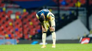 Emanuel Aguilera fue remplazado tras sufrir una lesión en el...