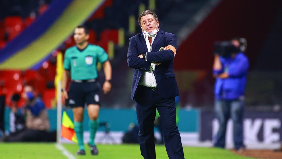 Miguel Herrera y el América quedaron eliminados en cuartos de final....