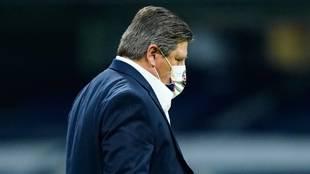 Miguel Herrera salió inconforme con la eliminación ante Chivas