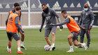 Benzema, durante el entrenamiento del Madrid