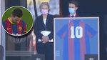 El sentido tributo del Barcelona a Maradona: Messi no podía ni mirar