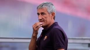 Quique Setién, en un partido con el Barcelona.