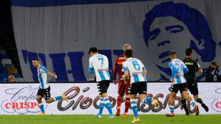 Matteo Politano selló la goleada del Napoli sobre la Roma. |