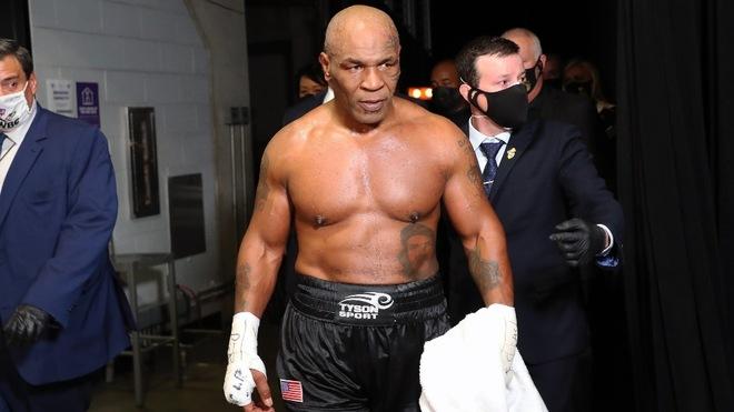 """Mike Tyson fumó mariguana previo a su pelea de exhibición: """"Lo..."""