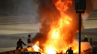 Romain Grosjean, envuelto en llamas, durante el GP de Bahréin 2020.