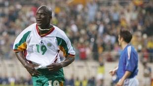 Bouda Diop celebra el primer gol de Senegal.