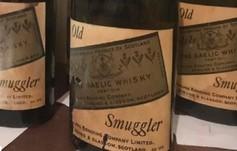 Aparece el tesoro de un contrabandista de la Ley Seca: 66 botellas de...