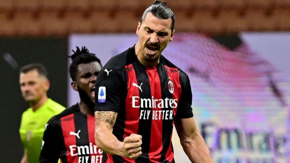 Zlatan Ibrahimovic celebra un gol con el Milan
