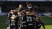 Jugadores del Cartagena celebrando un tanto.