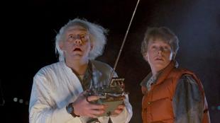 Christopher Lloyd (izquierda) y Michael J. Fox (derecha) en la primera...