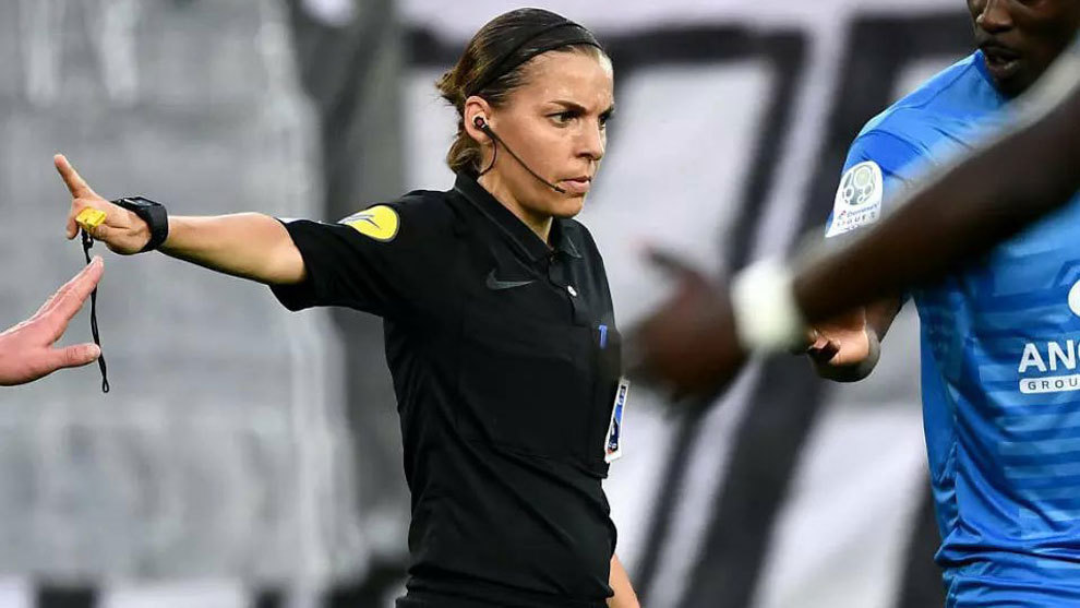 Ronaldo scores 750th goal in first Champions League match with female referee