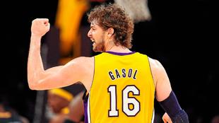 Pau Gasol con la camiseta de los Lakers