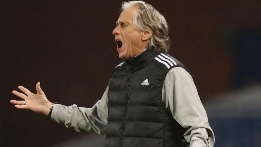 El técnico del Benfica, Jorge Jesús, durante un partido