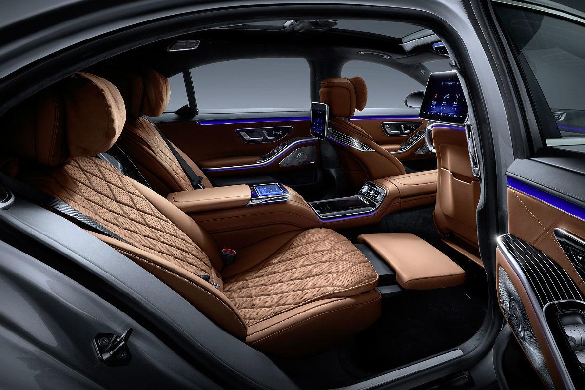 Mercedes Clase S 400 d: habitación de lujo con vistas increíbles