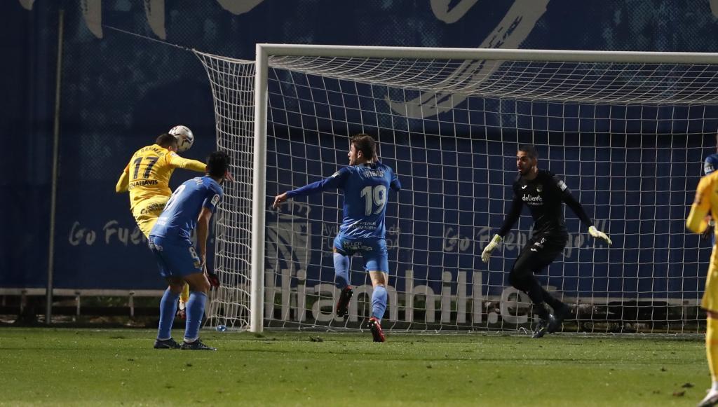 Con este cabezazo Yanis Rahmani marcó el primer gol del Málaga en el...