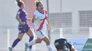 Ana de Teresa celebra un gol con el Rayo Vallecano ante el Granadilla.