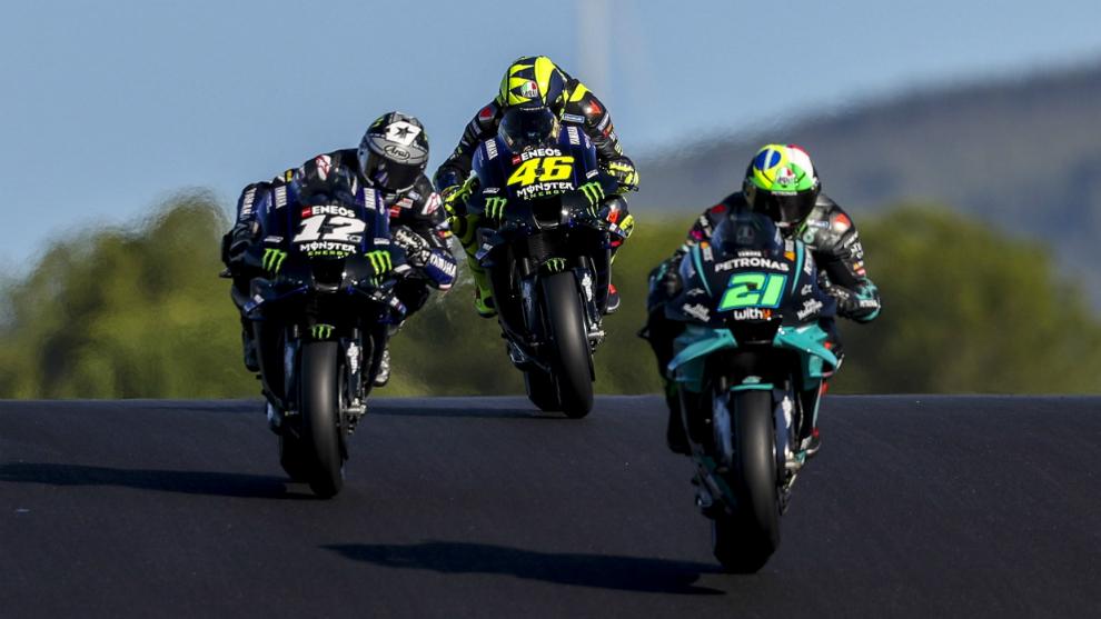 Morbidelli, Viñales y Rossi.