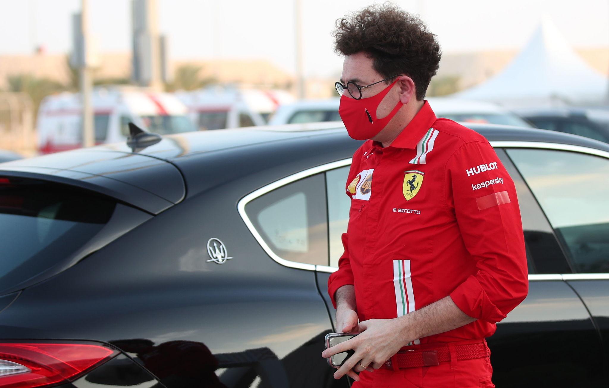 Manama (Bahrain), 03/12/2020.- Scuderia Ferrari team principal Mattia lt;HIT gt;Binotto lt;/HIT gt; arrives at the paddock at Bahrain International Circuit near Manama, Bahrain, 03 December 2020. The Formula One Sakhir Grand Prix will take place on 06 December 2020. (Fórmula Uno, Bahrein) EFE/EPA/TOLGA BOZOGLU