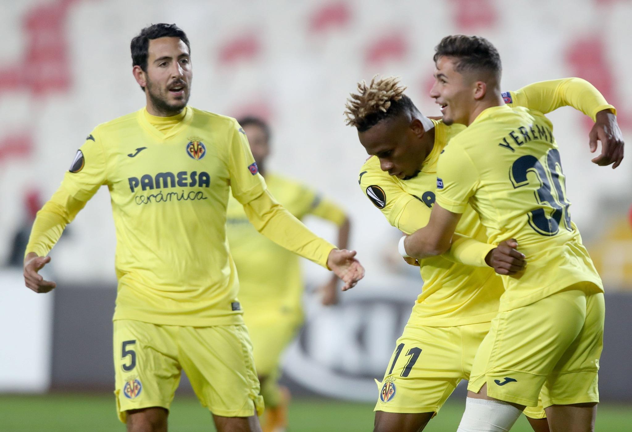 Samu, Yeremi y Parejo celebran el tanto de la victoria.