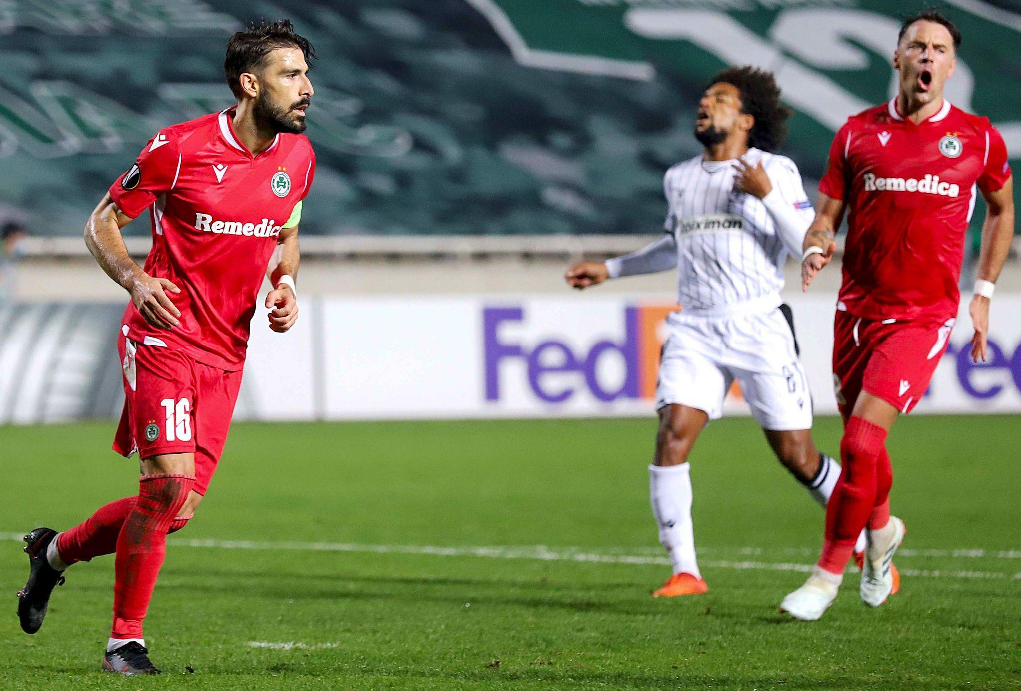 Jordi Gómez celebra su gol