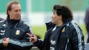 Bilardo sigue sin saber que Maradona murió... y ya hay un plan para decírselo