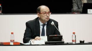 El presidente sevillista José Castro (62) en la Junta general de...