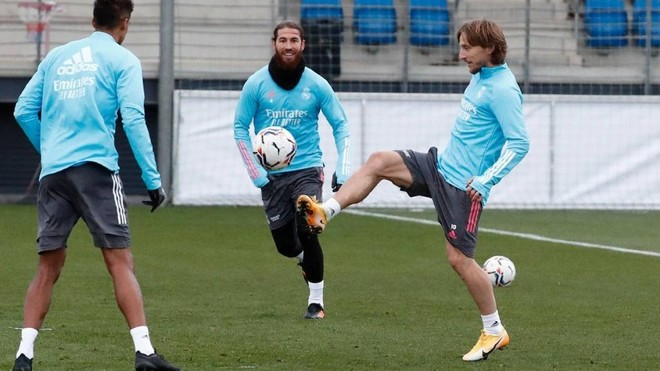 Real Madrid without Sergio Ramos for trip to Sevilla