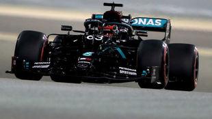 George Russell, con el Mercedes W11, durante la segunda sesión de...