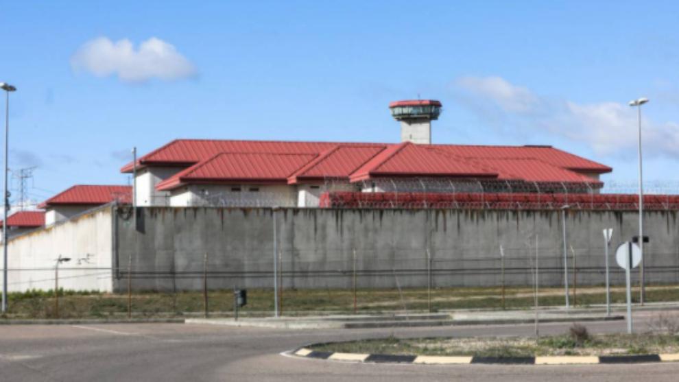 Dos presos se fugan de la cárcel de Valdemoro.
