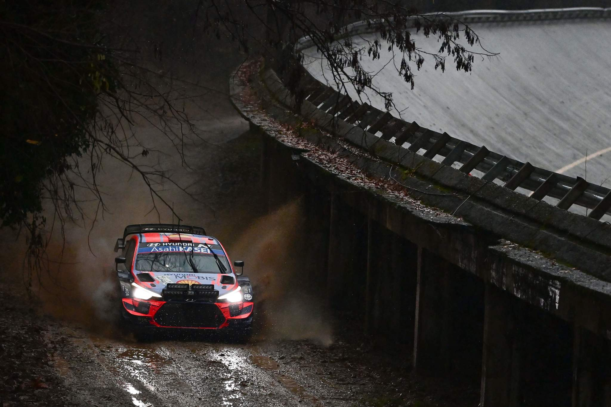 TOPSHOT - Spains driver Dani lt;HIT gt;Sordo lt;/HIT gt; and Spains co-driver Carlos Del Barrio steer their Hyundai i20 coupe WRC during the afternoon SS5 stage of the FIA World Rally Championship at the Autodromo Nazionale circuit in Monza on December 4, 2020. (Photo by MIGUEL MEDINA / AFP)