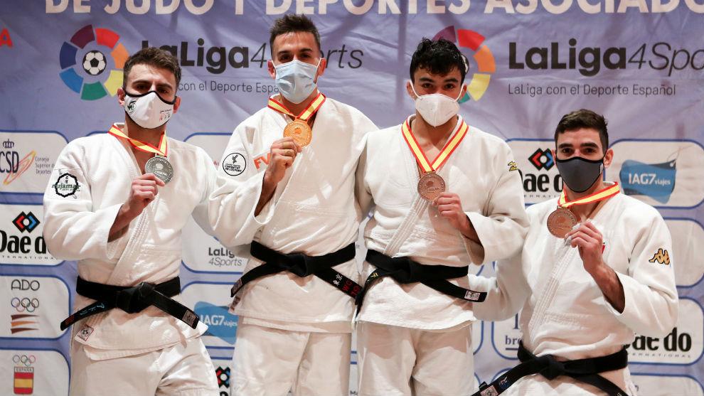 Sergio Ibáñez, el primero por la derecha, junto al resto de...