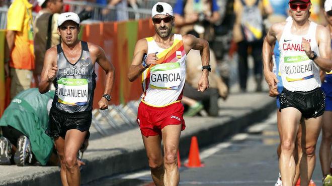 Chuso García Bragado en el centro del imagen, en los 50 KM marcha de...