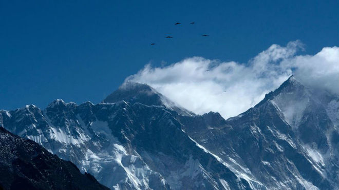 El Everest, que ahora mide 8.848, 86 metros.