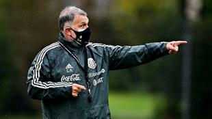 El Tata Martino habla de Javier Hernández en la selección.