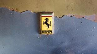 El paso de los años ha hecho que este Ferrari requiera una...