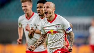 Angeliño celebra un gol con el Leipzig.