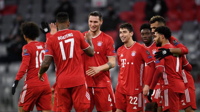 Festejo del Bayern en el duelo ante el Lokomotiv.